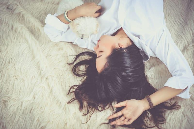 ソフレ(添い寝フレンド)の作り方って?男女で添い寝するだけって本当?