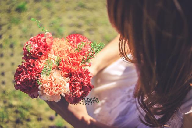 お花摘みに行くとはどんな意味?理由や由来について解説